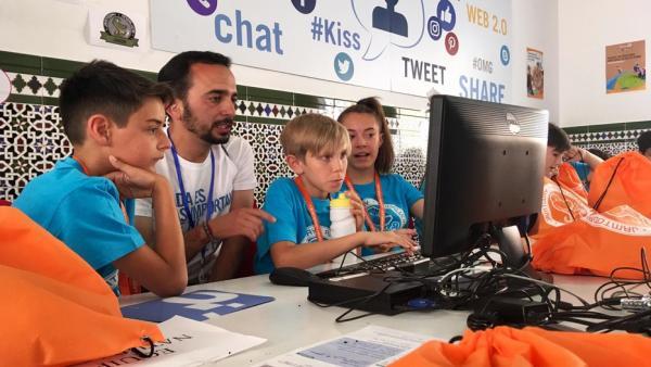 Jóvenes en actividades de Guadalinfo