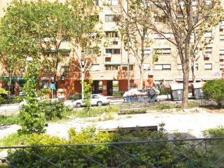 Portal de la calle Pablo Neruda, 102