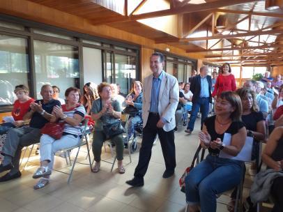 El alcalde de Vigo, Abel Caballero, mantiene una reunión con vecinos de la isla de Ons.