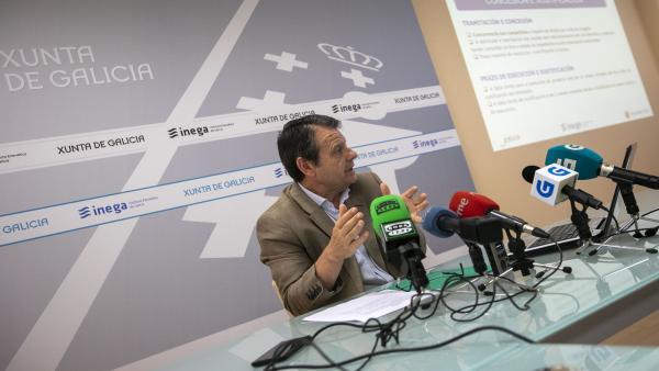 El director xeral de Minas declara que no ha considerado su dimisión