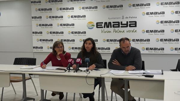 Neus Truyol (centro del grupo) cuando era regidora de Medio Ambiente.