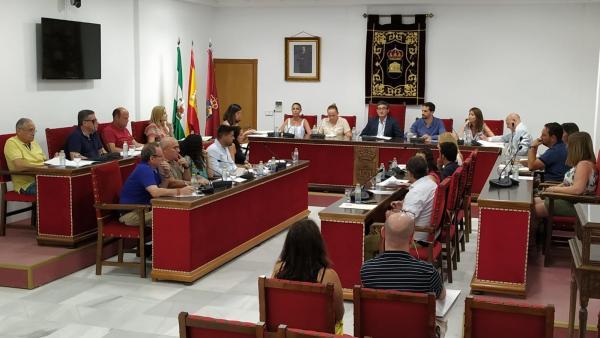Sesión plenaria en el Ayuntamiento de Adra