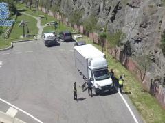 Control de la Policía Nacional a un camión