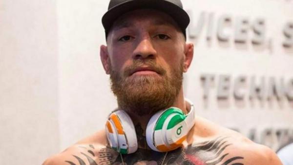 El luchador Conor McGregor pide perdón