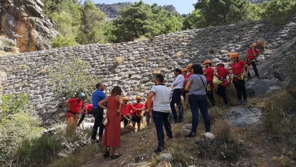 Visita a una de las actividades de la Escuela Taller de Guías de Baja y Media Montaña Cazorla Nature.