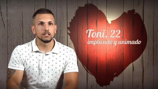 Toni, el comensal de 'First Dates' que ha generado multitud de críticas por sus comentarios homófobos