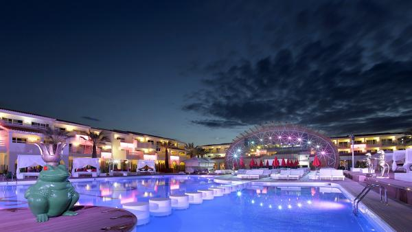 Ushuaïa Ibiza Beah Hotel.