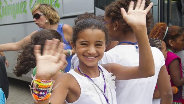 Despedida de niños saharauis en imagen de archivo