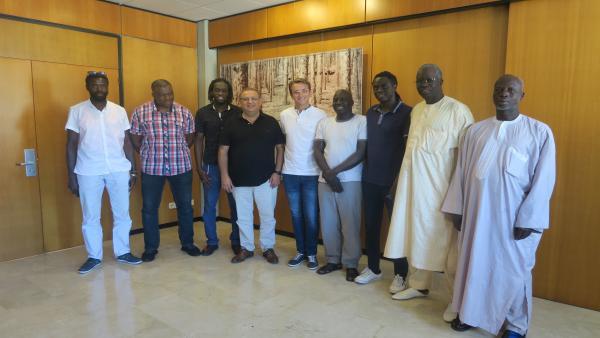Reunión del alcalde de Calvià, Alfonso Rodríguez Badal, con la comunidad senegalesa.