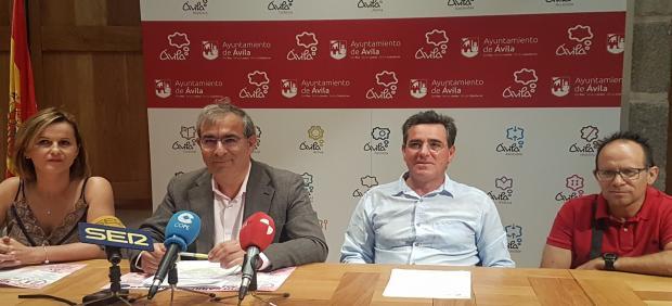 La VIII Carrera Solidaria de Aldea del Rey Niño (Ávila) recaudará en esta ocasión fondos en favor de la Asociación de Familiares de Enfermos de Alzheimer.