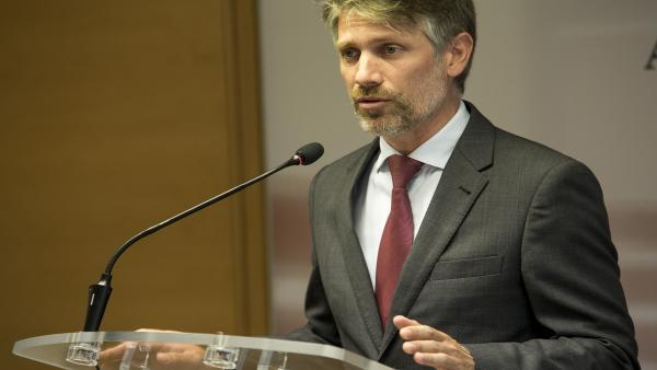 El Diputado Regional Del Partido Popular, Víctor Martínez-Carrasco