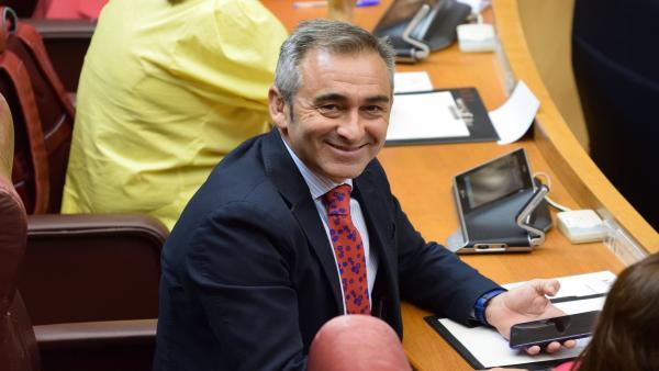 El portavoz de Infraestructuras del Grupo Popular en Les Corts, Miguel Barrachina