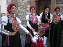 Algunos de los tipos del Traje Tradicional Ansotano.