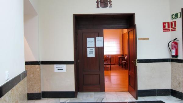 Trib.- Condenado a tres años y tres meses de cárcel por vender droga desde su domicilio en Tudela (Valladolid)