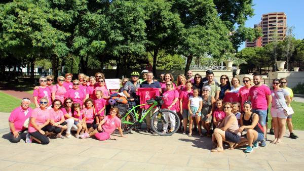 El benidormense Miguel Íñiguez inicia su camino solidario a Santiago en bicicleta para visibilizar la labor de Anémona