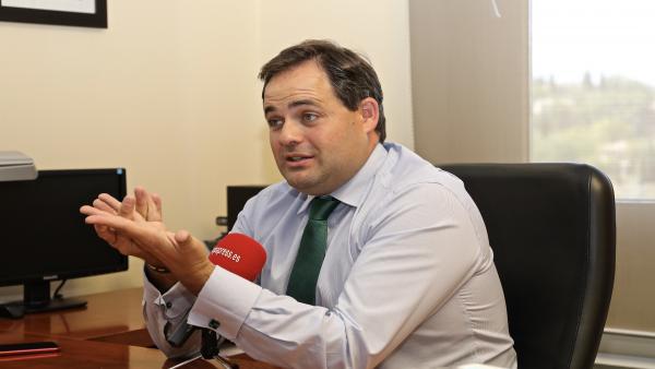 El presidente del PP de Castilla-La Mancha, Paco Núñez, en una entrevista con Europa Press