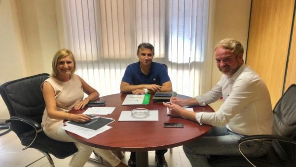 La senadora del Partido Popular por Castellón, Salomé Pradas, se ha reunido con representantes de la Federación de agricultores y ganaderos de Castellón FEPAC-ASAJA
