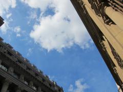 Nubes y claros en el cielo de Bilbao