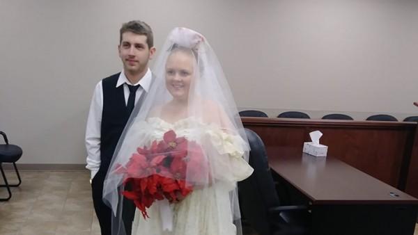 Los dos fallecidos durante la ceremonia.