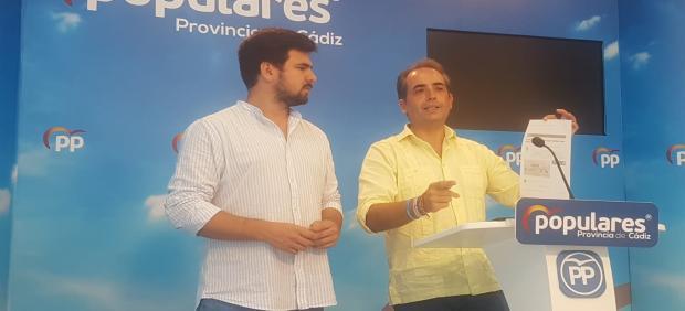Antonio Saldaña durante la rueda de prensa