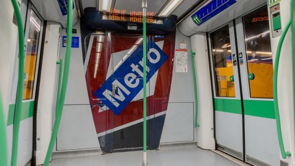Imagen de recurso del interior de un vagón del Metro de Madrid