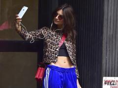 Tomarse muchos selfies suele estar visto como algo narcisista