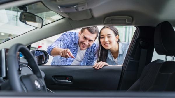 ¿En qué nos fijamos a la hora de comprar un coche?