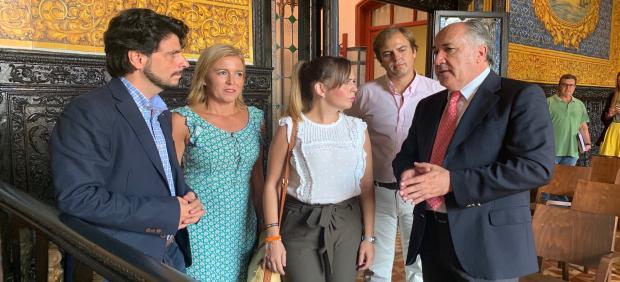 Reunión de Lorena Gutiérrez con responsables municipales de Algeciras y Los Barrios