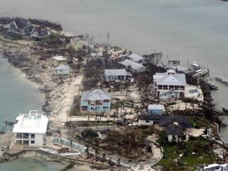 Zona devastada en Bahamas