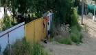 El ingenioso robo de una carretilla por parte de dos niños