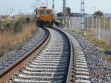 Un cnvoy ferroviario en la zona portuaria de Tarragona