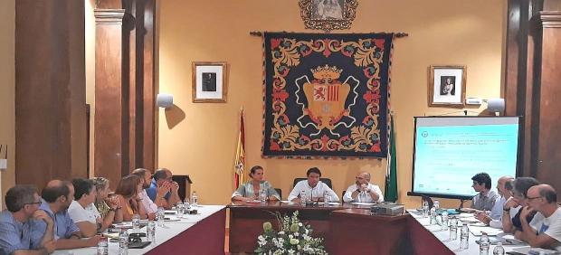 Daniel Sánchez reunido con representantes de la Sierra