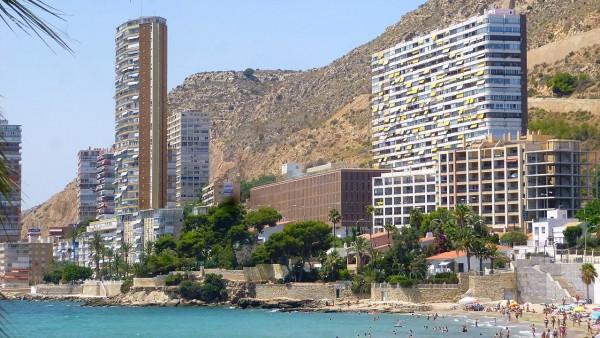 Vista de la playa de la Albufereta en Alicante.