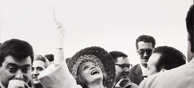 Marlene Dietrich a su llegada a Madrid. 1960