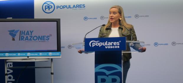 La secretaria del PP vasco, Amaya Fernández, en una rueda de prensa en Bilbao