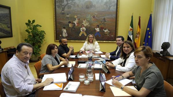 Reunión de la Mesa de la Asamblea de Extremadura