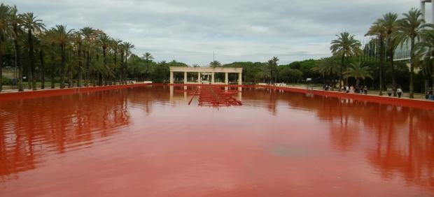 La fuente del Palau de la Música recupera su color