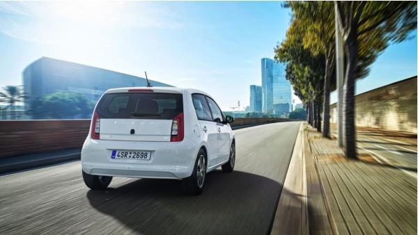 Skoda desvela sus primeros modelos eléctricos e híbridos: Citigoe iV y Superb iV