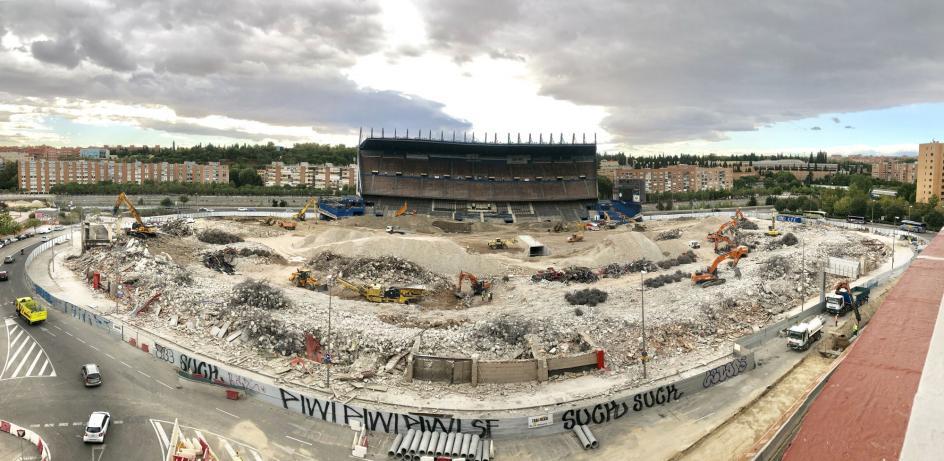 Único testigo. La grada principal del Calderón, último vestigio antes de ser completamente demolido.