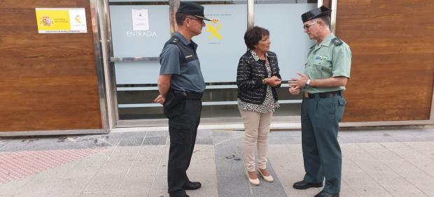 La Delegada del Gobierno en Castilla y León, Mercedes Martín, visita las renovadas instalaciones de la Intervención de Armas de la Guardia Civil en León.