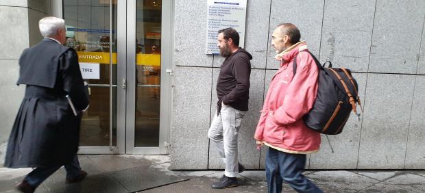 Natalio Grueso llegando al juzgado.
