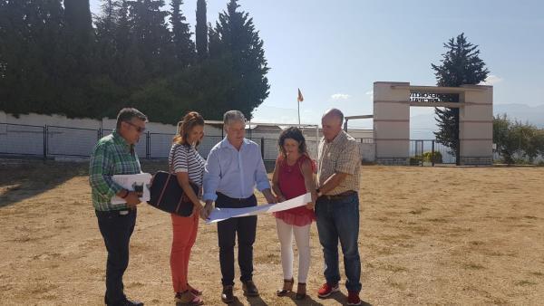 El diputado de Obras Públicas y Vivienda, José María Villegas, visita Diezma