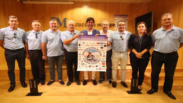 El diputado de Mayores, Tercer Sector y Cooperación Internacional y concejal de Fuengirola, Francisco José Martín, presenta la 'V Copa Su Alteza Real la Princesa de Asturias Open de Pesca de Altura al Curricán' y el 'X Torneo de Pesca de Altura'