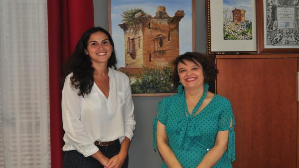 La alcaldesa de El Carpio, Desirée Benavides, y la subdelegada del Gobierno en Córdoba, Rafaela Valenzuela.