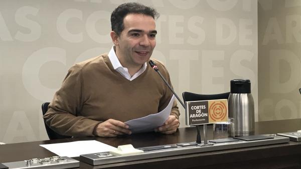 El diputado del PAR, Jesús Guerrero, durante la rueda de prensa