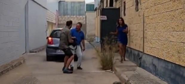 Un cámara de 'El programa de Ana Rosa' es agredido por el propietario de Magrudis
