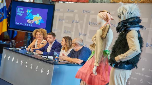 Rueda de prensa para presentar la obra de teatro 'Peligro en Fragilia'