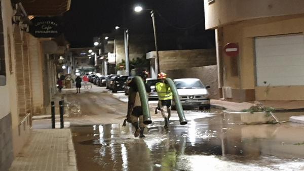 Achique calles y sótanos en Los Alcázares, tormenta, lluvias, temporal DANA