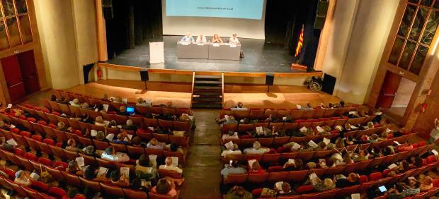 Unas 200 personas participan en la primera sesión de Debat Constituent, en Tortosa.
