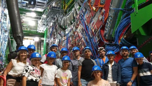 Jóvenes extremeños en el CERN